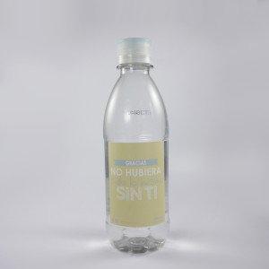 Botella en forma mediana con etiqueta personalizada